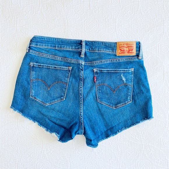 Levis Cut Off Jean Shorts
